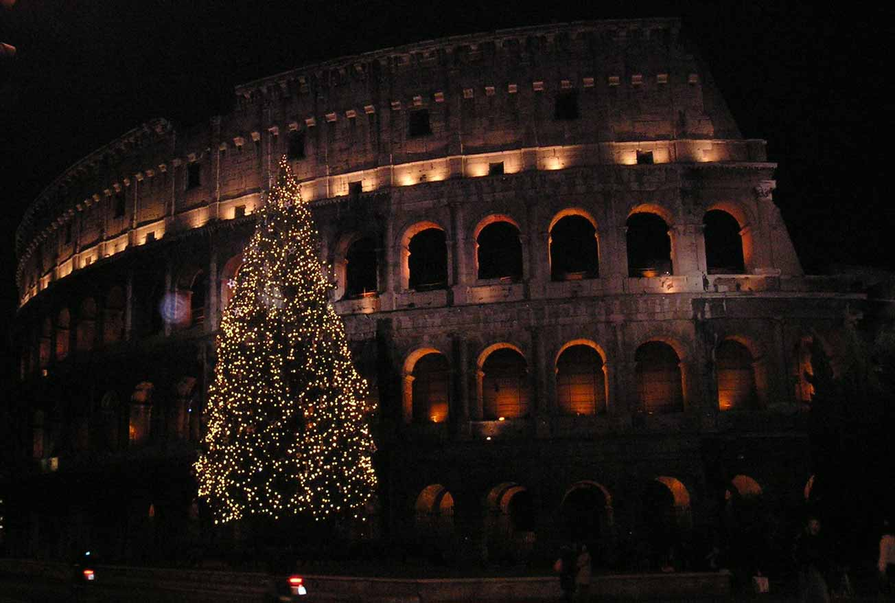 Natale a Roma : Il Colosseo a Natale
